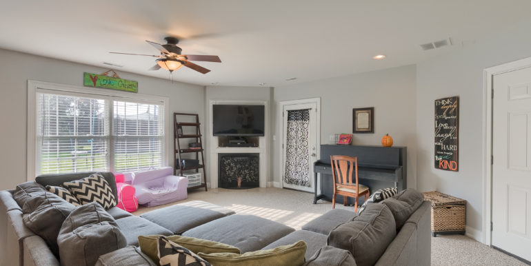 5250 Hillview Dr - 002