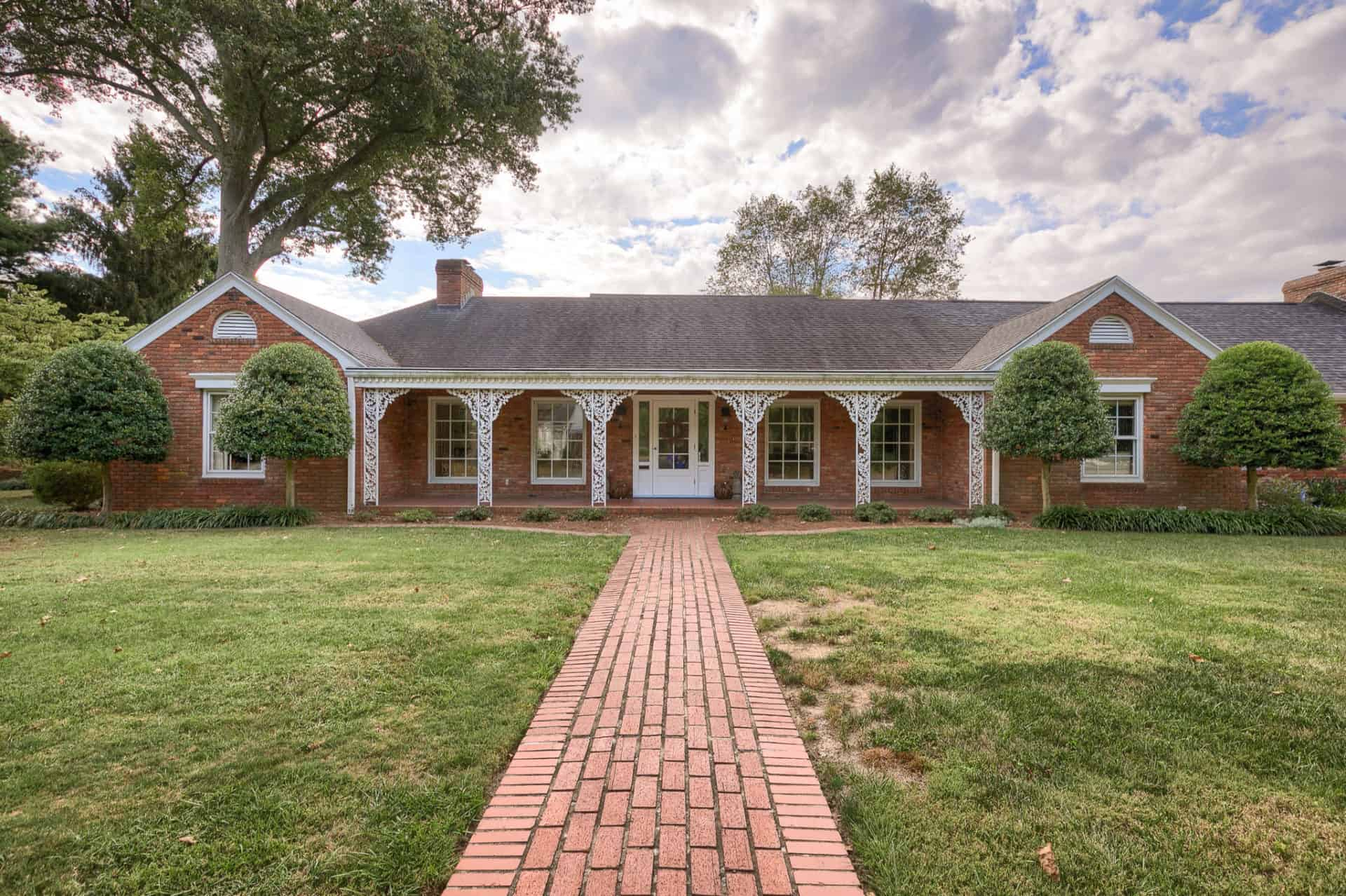 1830 Stratford Dr., Owensboro, KY 42301